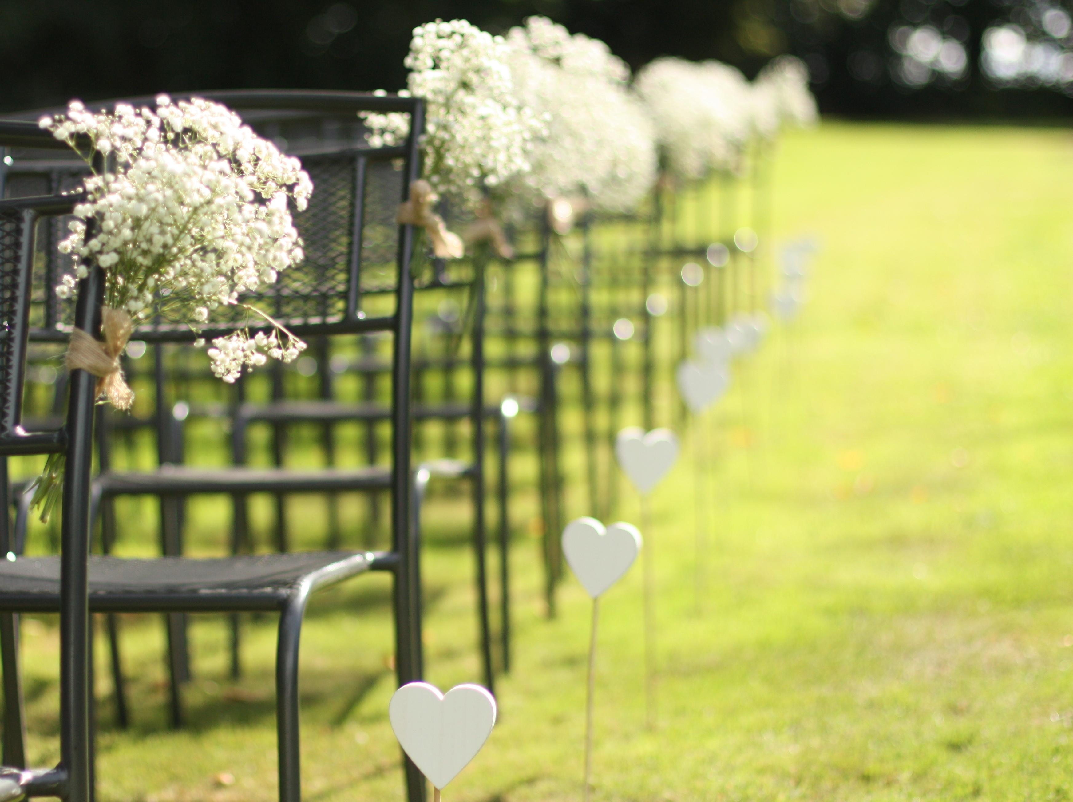 Piquet blanc en bois forme coeur